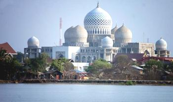 Around Lhokseumawe Tourism A Town Located 274 Km From Banda Aceh Which Is Now Being Developed As An Industrial Zone