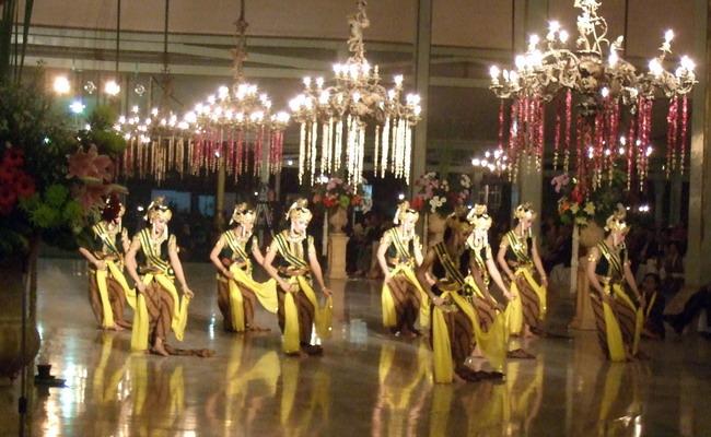 merak dance Best merak stock images download photos about dance indonesia, manicure, clock prague, salon beautification.