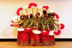Tugas TIK SMP Negeri 45 Surabaya: Tari Tradisional Nusantara