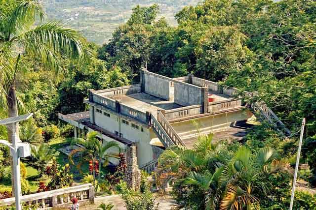 Exile de Soekarno à la montagne Menumbing , Bangka Island, Bangka Belitung