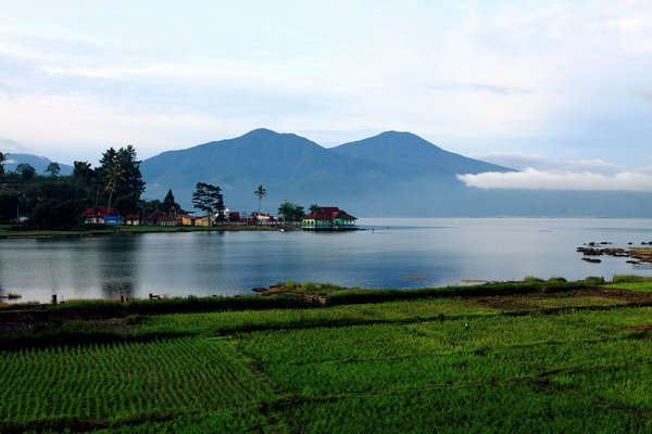 The Sparkling Kerinci Lake, Jambi
