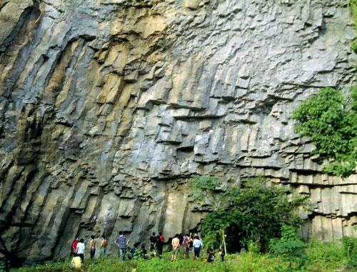 Batu Dinding Kilo Tiga Tourism