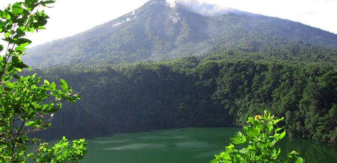 Tolire-Lake-ternate-Maluku
