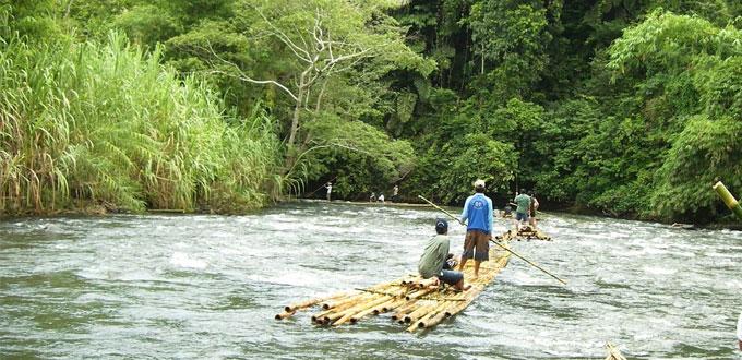 Banjarmasin-Bamboo-Rafting-Laksado