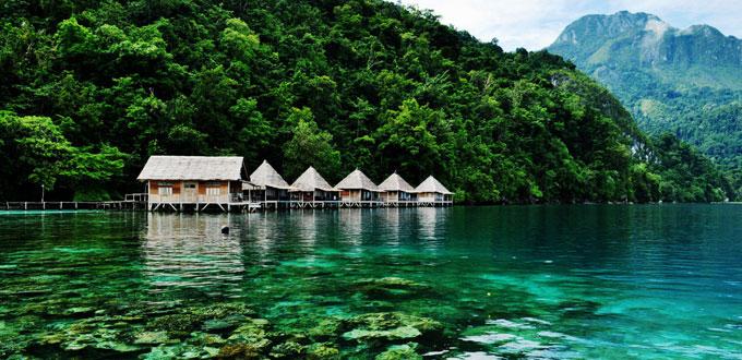 Pantai-Ora-Maluku