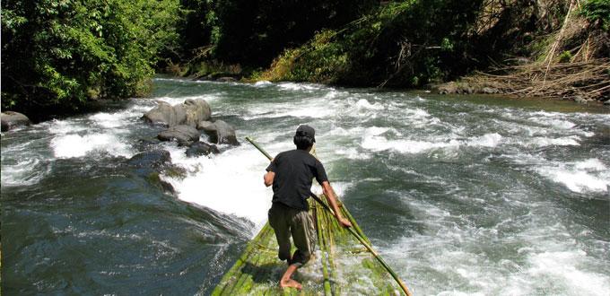 barito-bamboo-rafting-south-kalimantan