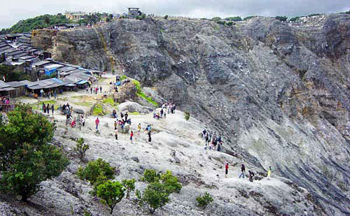 Mount Tangkuban Perahu Tourism