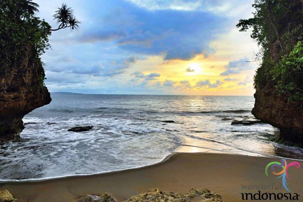 West Java Tourism Photo Gallery Batu Karas Beach Ciamis West Java 5